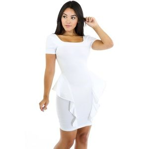 Dresses & Skirts - 💎Boutique💎White dangerous curves bodycon dress